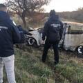 Carcassa di auto ritrovata sulle Murge