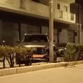 Incidente nella notte, auto contro palo della illuminazione pubblica