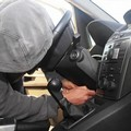 Torna di moda il furto dell'autoradio