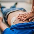 Ha un infarto durante la corsa, Carabiniere libero dal servizio gli salva la vita