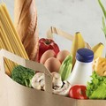 Una tonnellata di cibo raccolto dall'Associazione Orizzonti