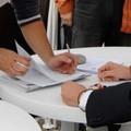 """La Lega raccoglie le firme per dire  """"no """" alle cartelle esattoriali di Equitalia"""