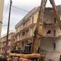 Iniziata la demolizione del palazzo di Via Alemanni. IMMAGINI e VIDEO