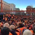 """Tremila gilet arancioni hanno  """"invaso """" Bari. LA DIRETTA VIDEO"""
