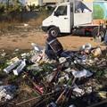Via i rifiuti da vicino alla scuola, individuati gli sporcaccioni