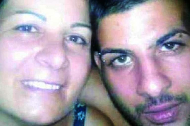 Nel barese, una donna denuncia ai Carabinieri il figlio 24enne latitante da mesi,