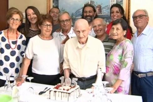 Giovanni Doppiu coi suoi nipoti