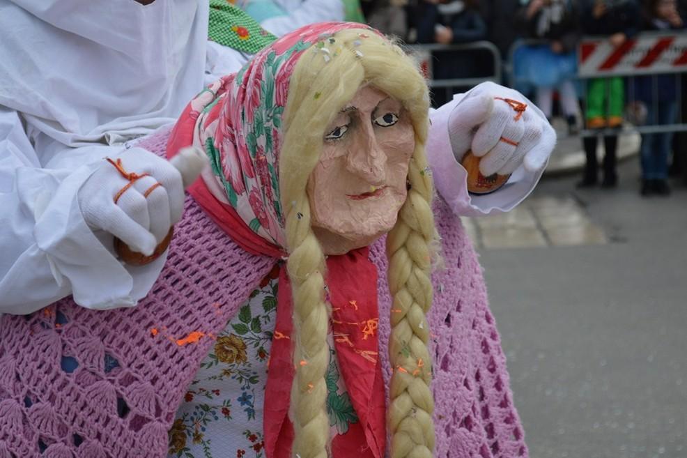 La Vecchiaredde, maschera tipica del Carnevale Coratino