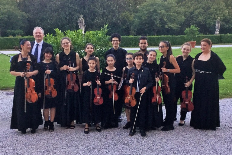 Festa Europea della Musica, gli Archetti stravaganti in concerto a Castel del Monte