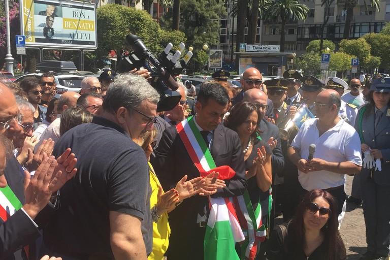 Michele Emiliano alla cerimonia nel ricordo delle vittime del disastro ferroviario