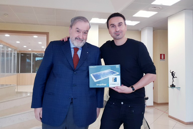 Donazione tablet Fondazione Cannillo