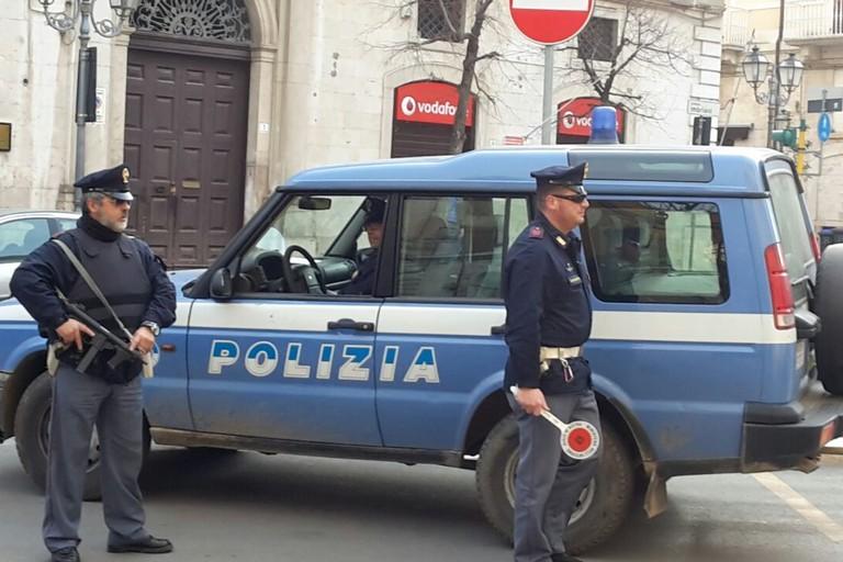Controlli della Polizia di Stato. <span>Foto Vincenzo Cassano</span>