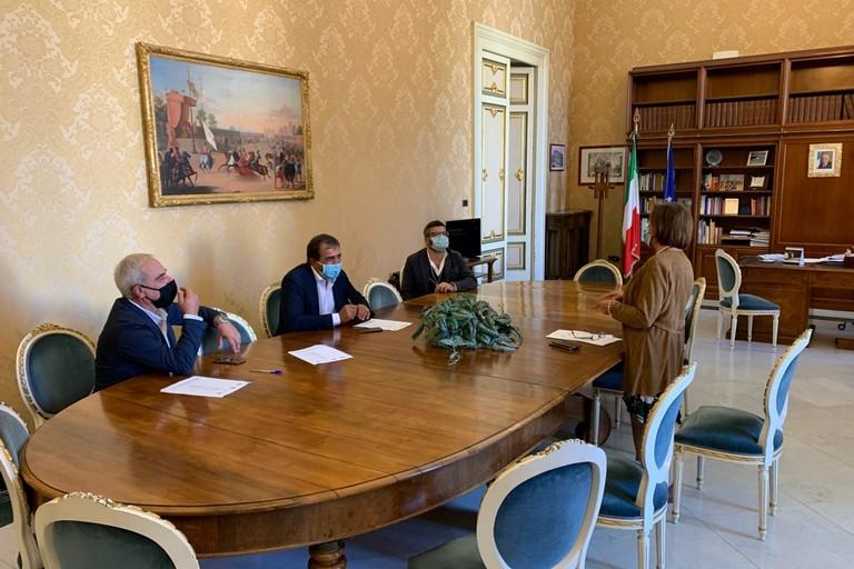 Rappresentanti olivicoli dal Prefetto