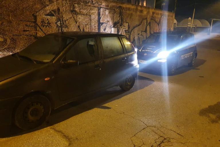 L'auto ritrovata dai Metronotte