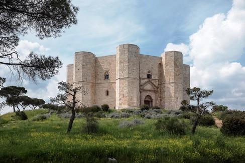 Il Castel del Monte secondo Fallacara e Occhinegro