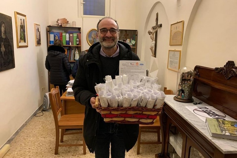 Mascherine donate alla Caritas